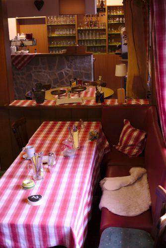 Gaststube - Innenraum | Naturfreundehaus Billtalhöhe | Waldgaststätte | Königstein im Taunus