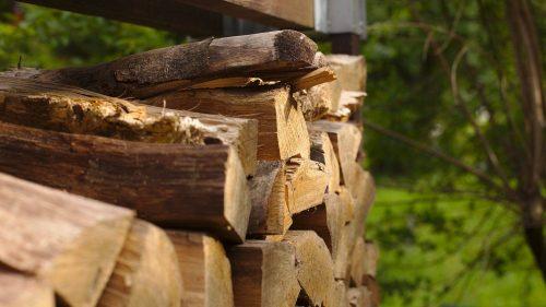 Brennholz | Naturfreundehaus Billtalhöhe | Waldgaststätte | Königstein im Taunus